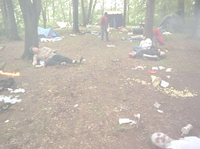 キャンプ場の全員が一人残らず襲われ絶命していた・・・