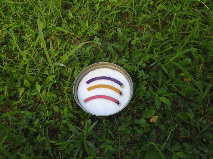 草むらの中に置いても絵になる蚊取り線香フルーツバスケット