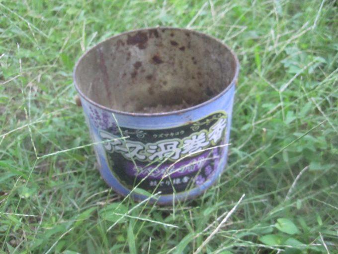 線香を使い終えて用済みになった蚊取り線香の空き缶