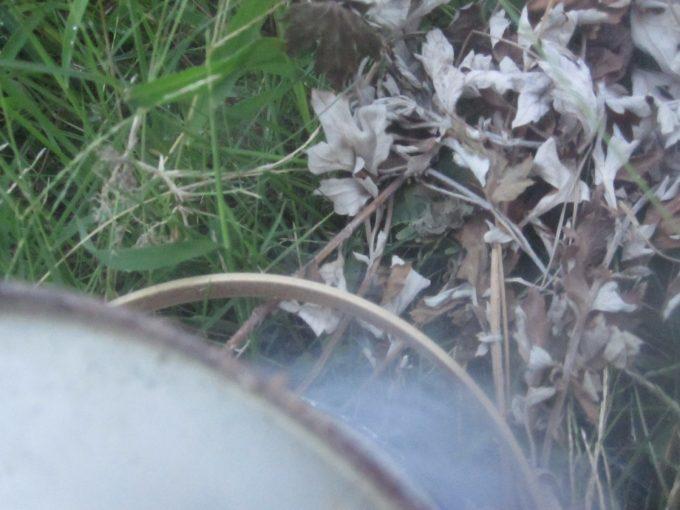 白い煙がモクモクと発生して蚊除けになる