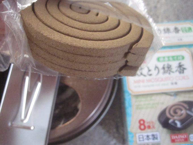100円でミニ蚊取り線香が8個は安いのか高いのかは分からない