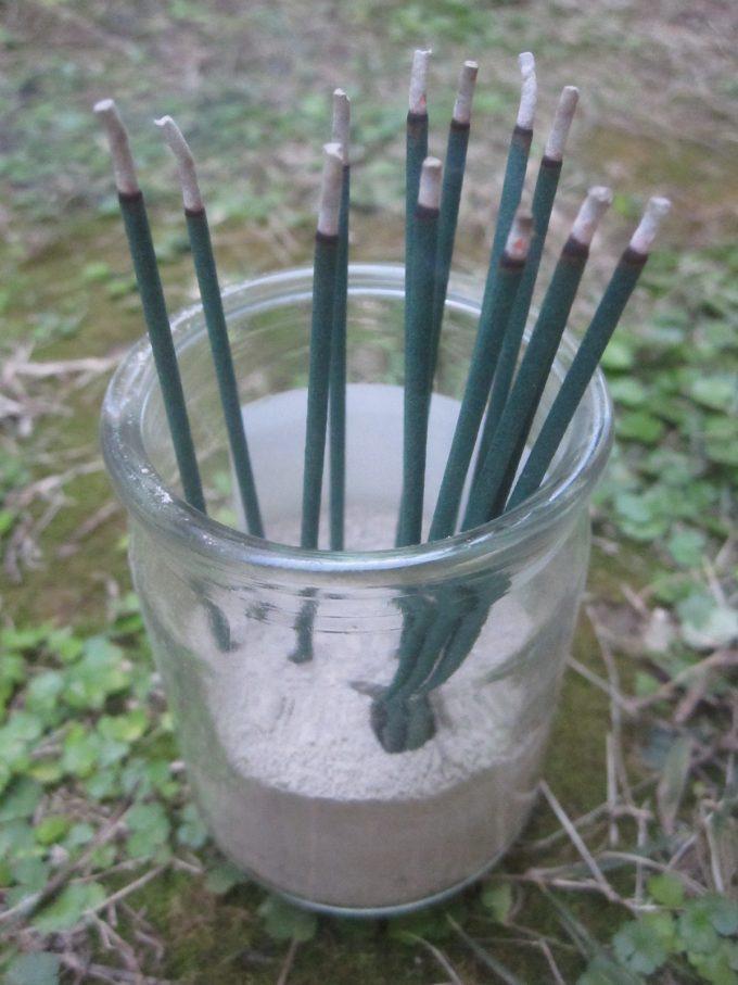 ピレスロイド・除虫菊の成分が含まれない線香でも蚊除けは可能か実験スタート!