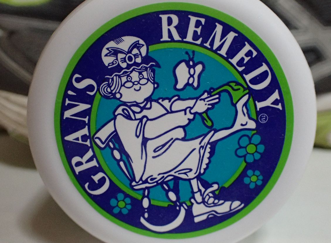 靴と足元の消臭剤「グランズレメディ」クールミントの香り